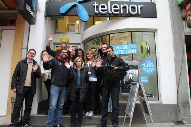 Ekipa Smart Karavana u Vranju (Photo: Telenor Srbija)