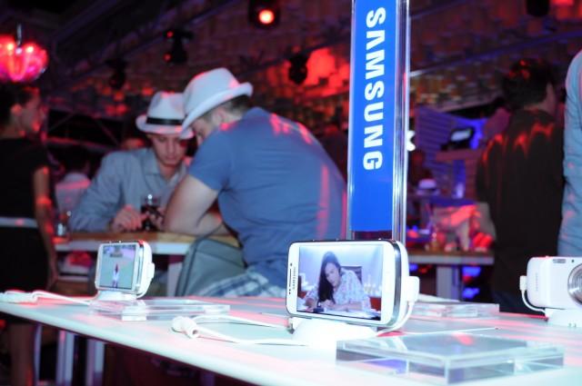 Samsung i Vip zurka_Predstavljen Samsung GALAXY S4 Zoom02