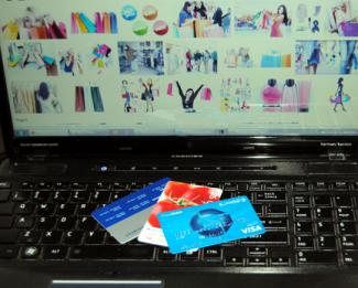 Bezbedna praznična internet kupovina – saveti i upozorenja