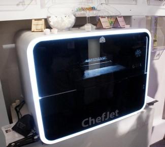 ChefJet i ChefJet Pro, vaši lični 3D kuvari, biće dostupni na tržištu u martu, po ceni između 5 i 10 hiljada dolara. Još nismo dostigli funkcionalnost Star Trek replikatora, ali kako je krenulo...