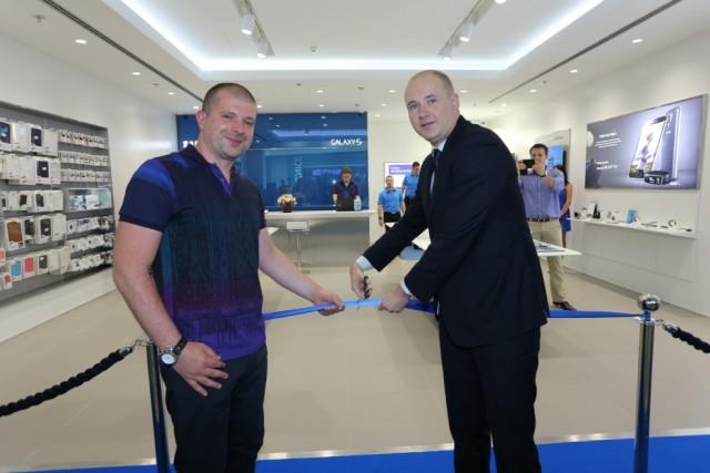 Svecano otvorena Samsung Brand Store