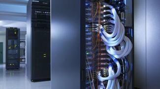 Deljenje resursa i virtuelizacija su već duže vreme ustanovljeni koncepti pri konfiguraciji servera i storidža. Softverski definisane mreže (SDN) i overlay koncept su i smišljeni sa ciljem da se mreža prilagodi opštoj virtuelizaciji