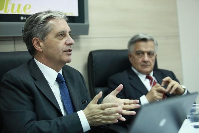 Danilo Rivalta, direktor marketinga i prodaje Bassilichi Group, Slobodan Paunović, izvršni direktor Ars Blue 2