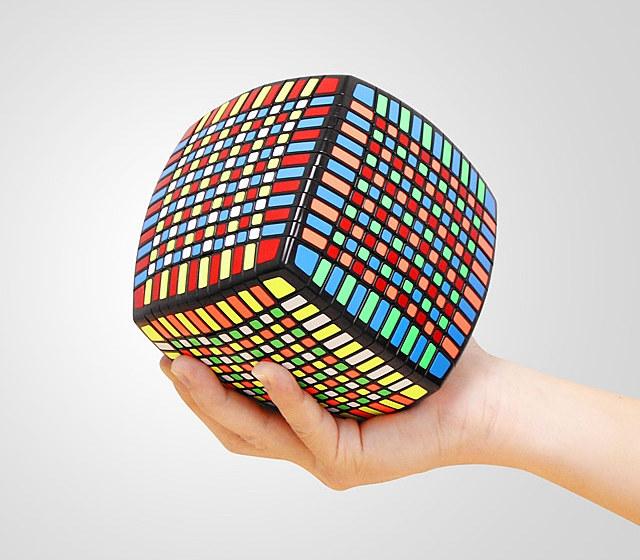 13x13-iq-brick
