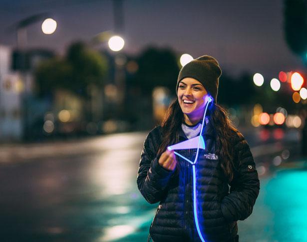 glow-smart-headphones-with-laser-light1