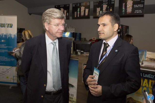 Ambasador Svedske Krister Asp  i Branko Krsmanovic (Mladi ambasadori)