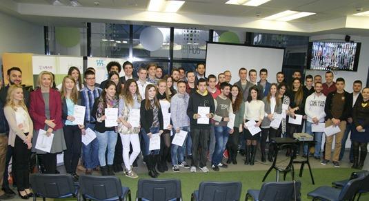 Ministar omladine i sporta, Vanja Udovicic, sa studentima polaznicima projekta Nova tehnoloska p
