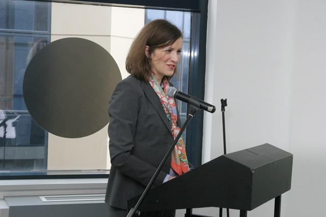 Vrsilac duznosti Ambasadora Svajcarske u Srbiji, Paulin Mentone predstavlja SECO projekat u ICT Hubu